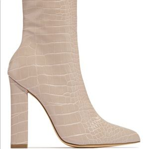 Shoes - Miss Lola Andrea - Nude booties